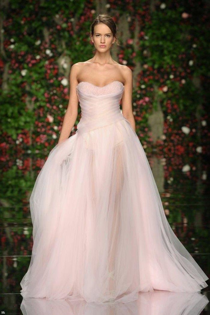 Rosa Brautkleid für einen glamourösen Hochzeits-Look | Haute couture ...