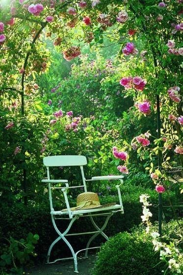 Pin By Stacy Lyn Harris On Beautiful Outdoor Spaces Rustic Garden Design Beautiful Gardens Rustic Gardens