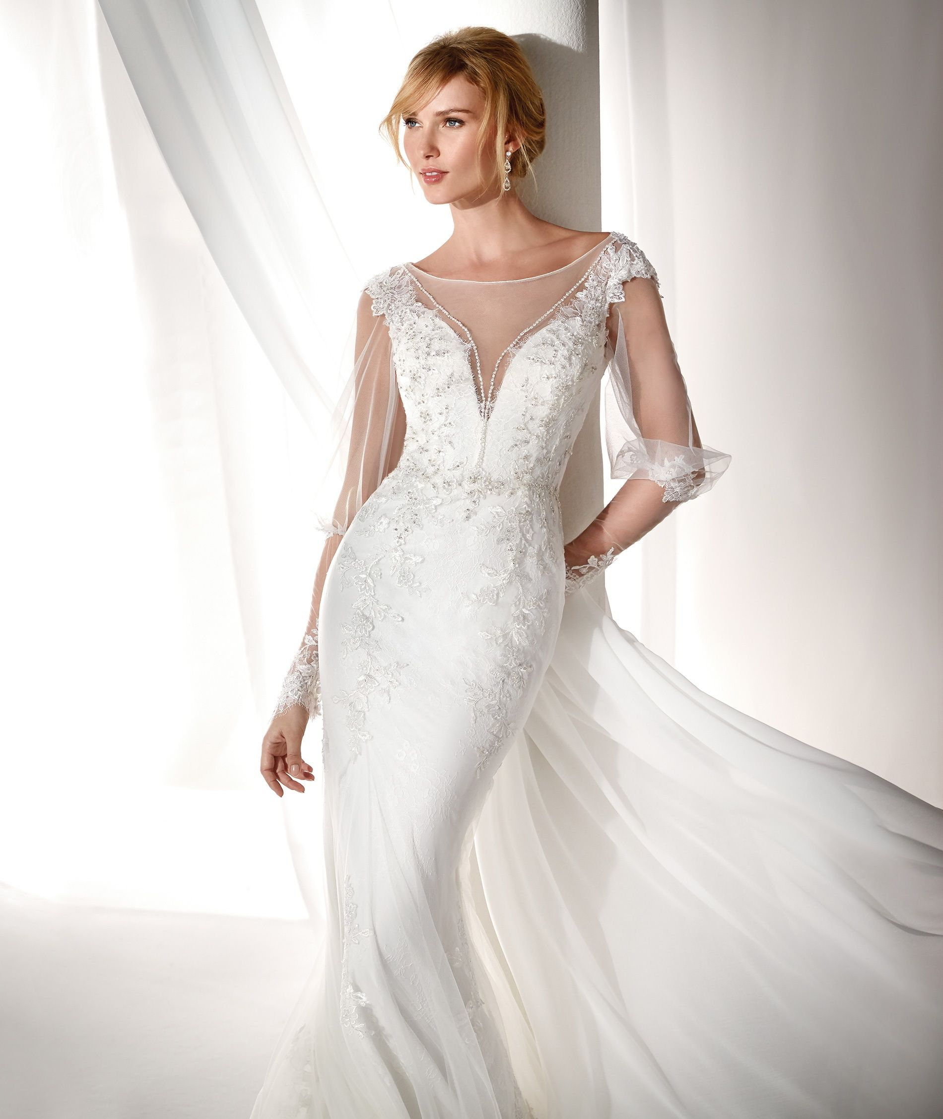 Wedding dressing gowns  Abito da Sposa Nicole NIAB   F  Gowns  Pinterest