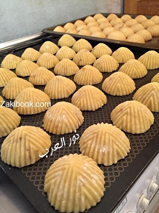 معمول السميد ناجح وهشششش زاكي Arabic Dessert Arabic Sweets Recipes Middle Eastern Desserts