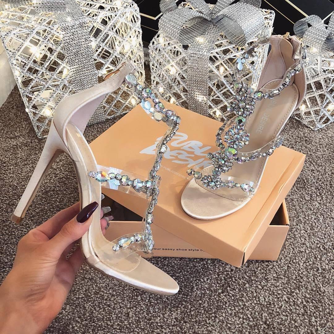 wholesale dealer bb0c2 92a3e 4UFashionistas | Fab! in 2019 | Shoes, Fancy shoes und Shoes ...