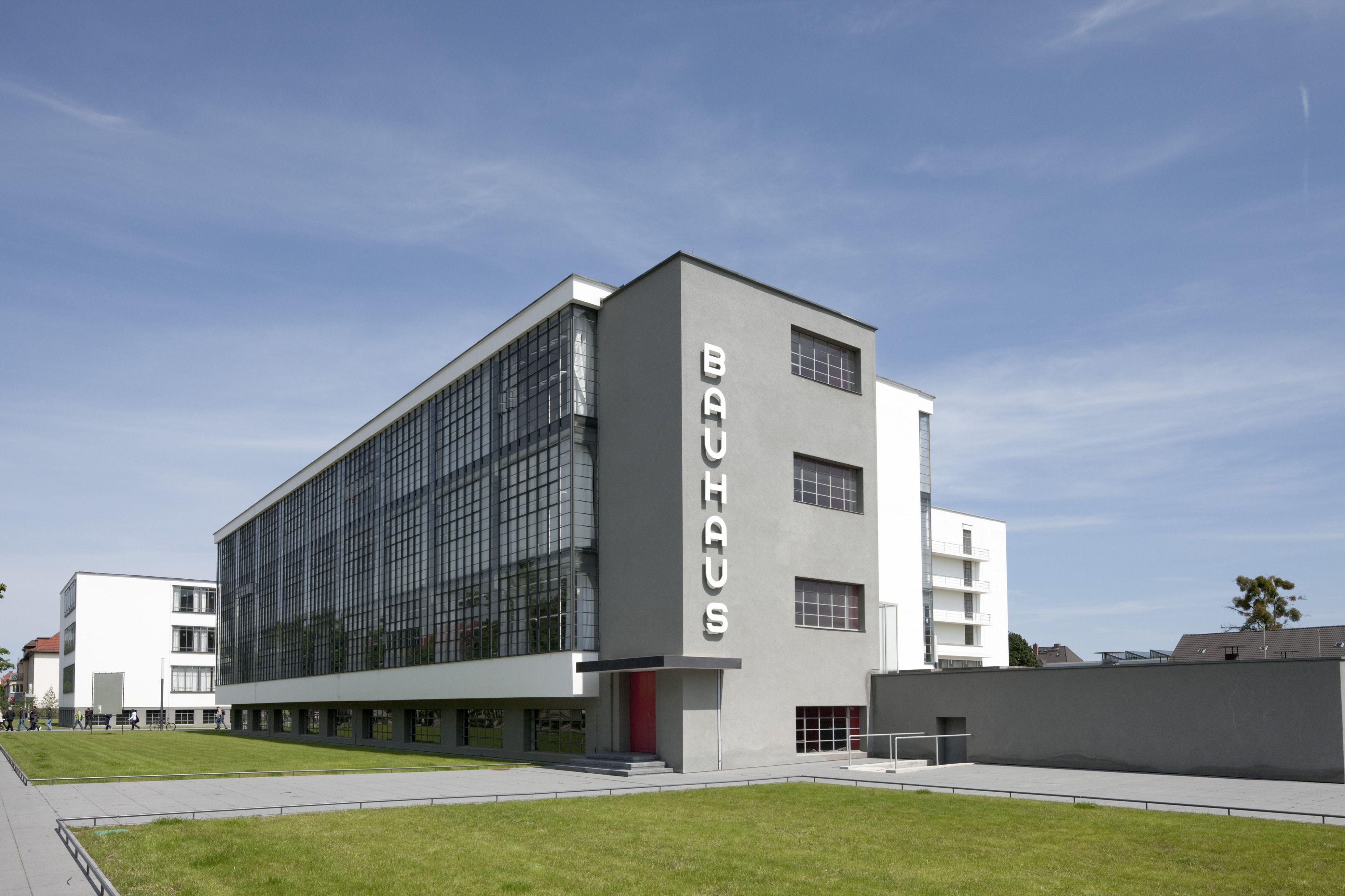 (19251926) Bauhaus' Building in Dessau Walter Gropius