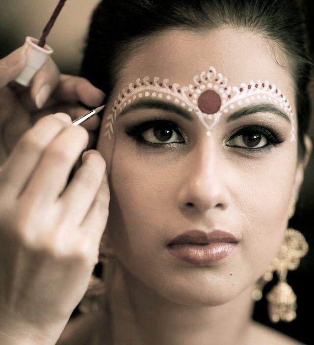 Chandan Style Byelora Chandan Bengali Bengali Bridal Makeup Indian Bridal Makeup Beautiful Wedding Makeup