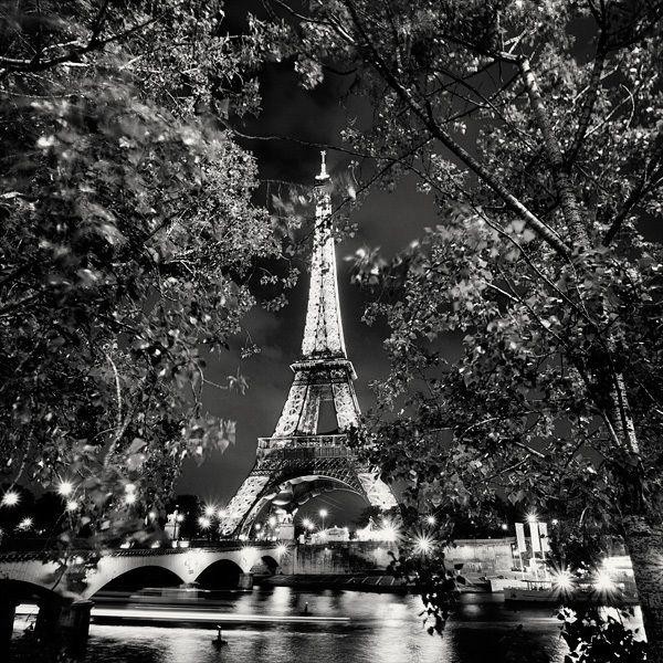 Paris Nuit Blanche by Martin Stavars