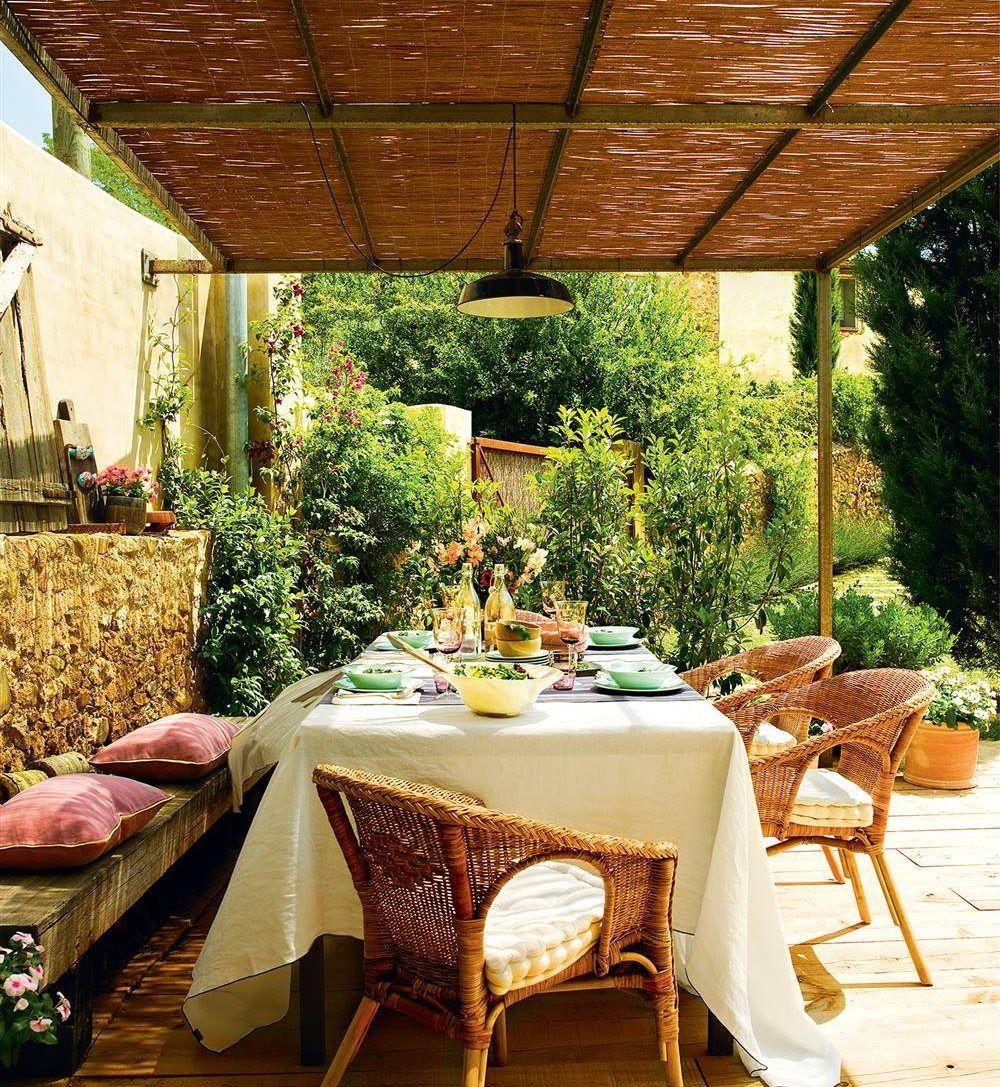 P rgolas para disfrutar de la sombra a cubierto del sol for Canizo para jardin