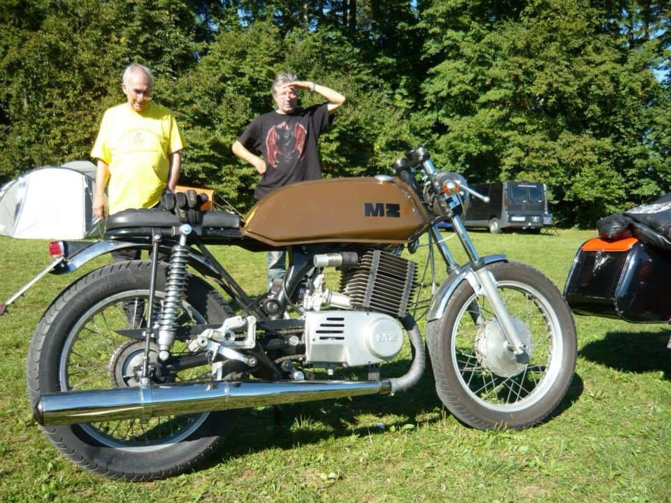 mz etz 250 caferacer east bloc motorcycles are timeless. Black Bedroom Furniture Sets. Home Design Ideas