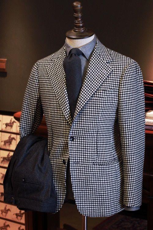 conjunto-chaqueta-gris-pantalon-negro-casual-hombre-02  8d0c213e287e