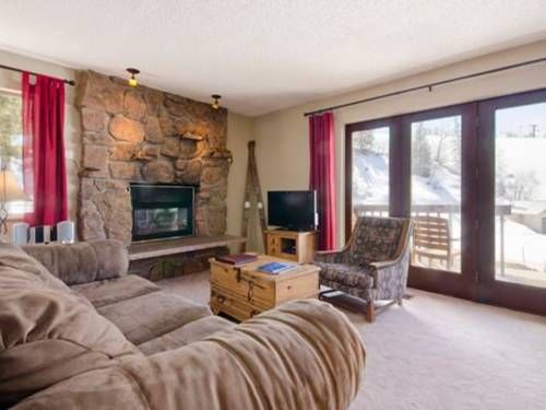 Storm Meadows East Slopeside - SE038 Steamboat Springs (Colorado) Storm Meadows East Slopeside - SE038 offers accommodation in Steamboat Springs, 700 metres from Steamboat Ski Resort. The apartment is 2.9 km from Yampa River Botanic Park. Free WiFi is provided throughout the property.