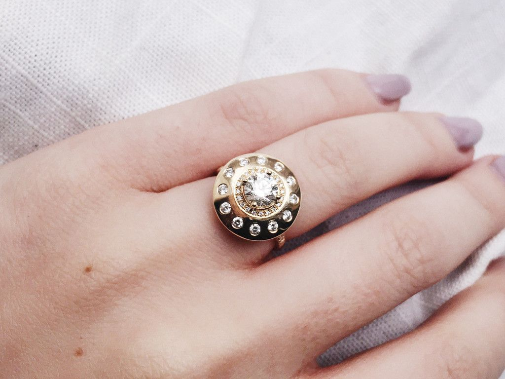 Urobune Queen UFO Ring | FROM THE SHOP | Pinterest | UFO, Queens and ...