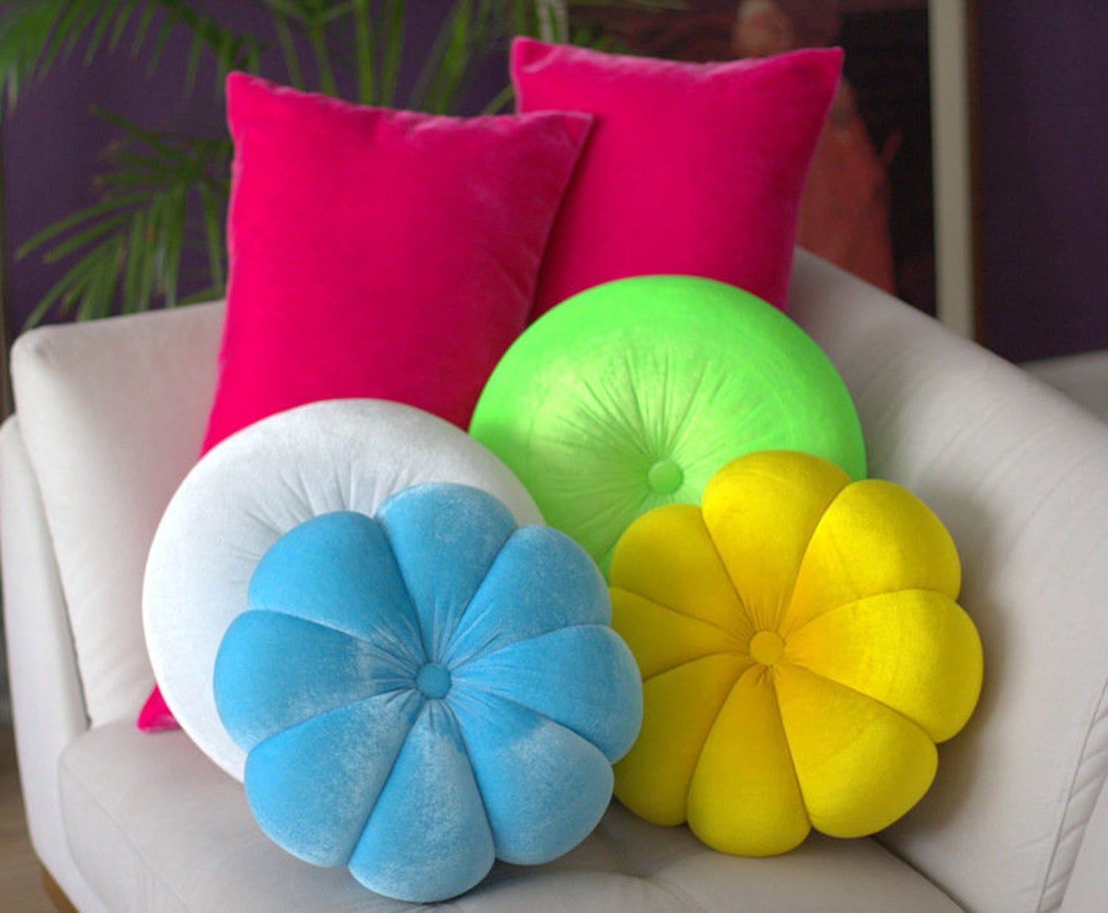 flower velvet round pillow 14 5 hand