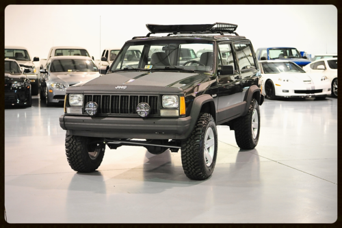 1996 2 Door With Gorgeous Moss Green Peal Paint This Xj Is Absolutely Classy And Timeless Yet Rugged Click Jeep Cherokee Sport Jeep Cherokee Xj Jeep Cherokee