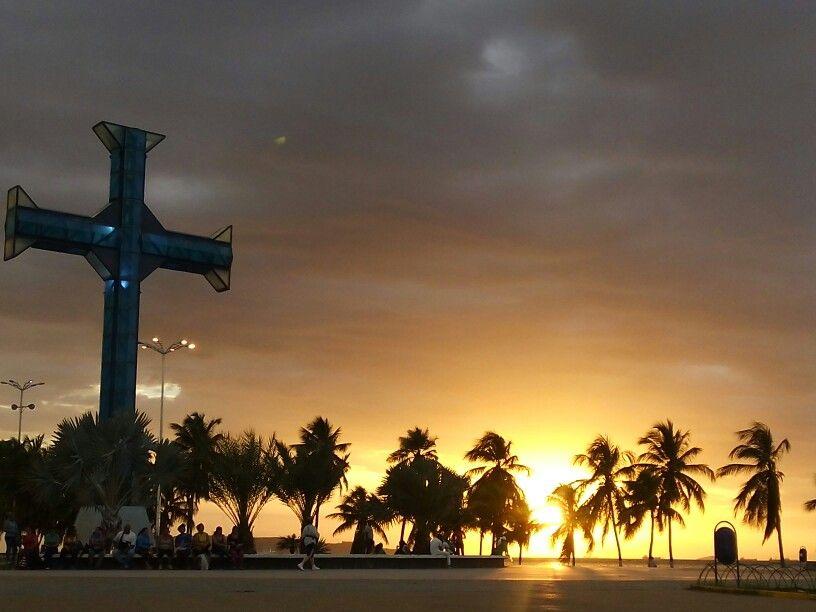 La Cruz Del Paseo Colon Puerto La Cruz Anzoátegui Venezuela Outdoor Celestial Sunset