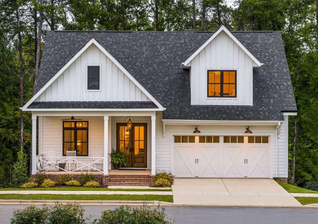 Garage door styles for a modern farmhouse with rustic