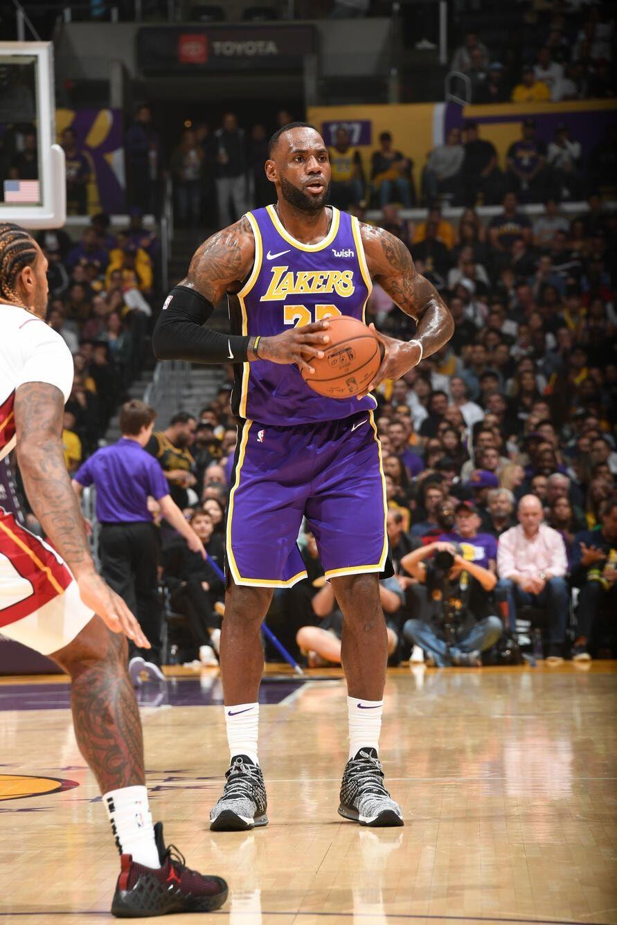 Photos Lakers Vs Heat 11 08 19 Los Angeles Lakers Lakers Vs Nba Lebron James Lebron James Lakers