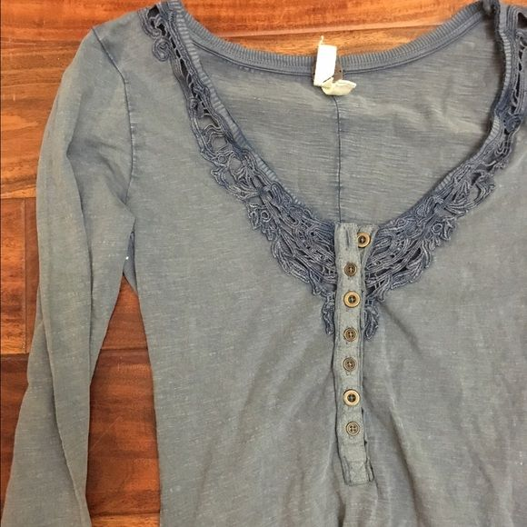 Free People -We The Free - Long Sleeved Henley XS Long sleeve. Comfy & casual henley style top by FP. XS. Excellent condition Free People Tops Tees - Long Sleeve