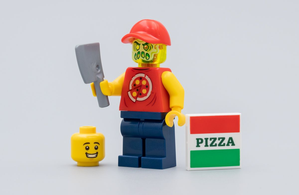 Lego Hidden Side Un Livreur De Pizza Possede Avec Le Numero 2 Du Magazine Hoth Bricks Livreur De Pizza Lego Chasseur De Fantome