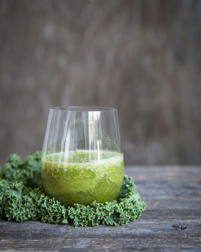 Pear & kale juice. http://www.jotainmaukasta.fi/2014/10/23/sita-parempi-soppa-viini-ruoka-ja-hyva-elama-messuilla/