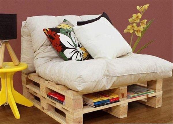 Selbstgebaute Möbel Holzpaletten Sessel Buchablage Leseecke, Möbel