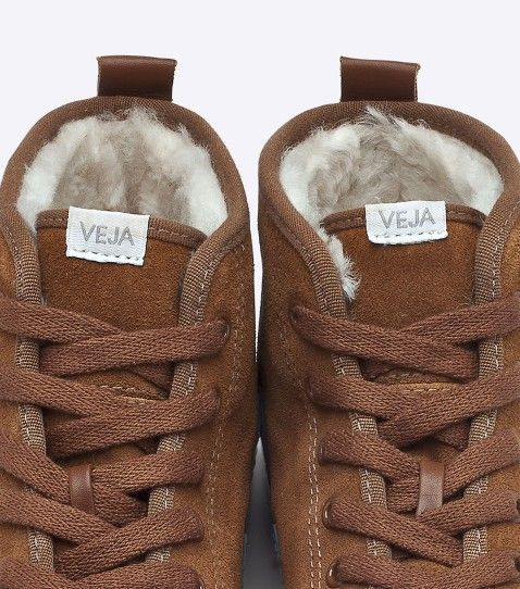 b299c1d6ce9 Veja sneakers in organic cotton and leather