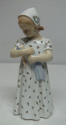 Details About Ida S Flowers Girl Sitting With Flowers Bing Amp Grondahl Figurine No 2298