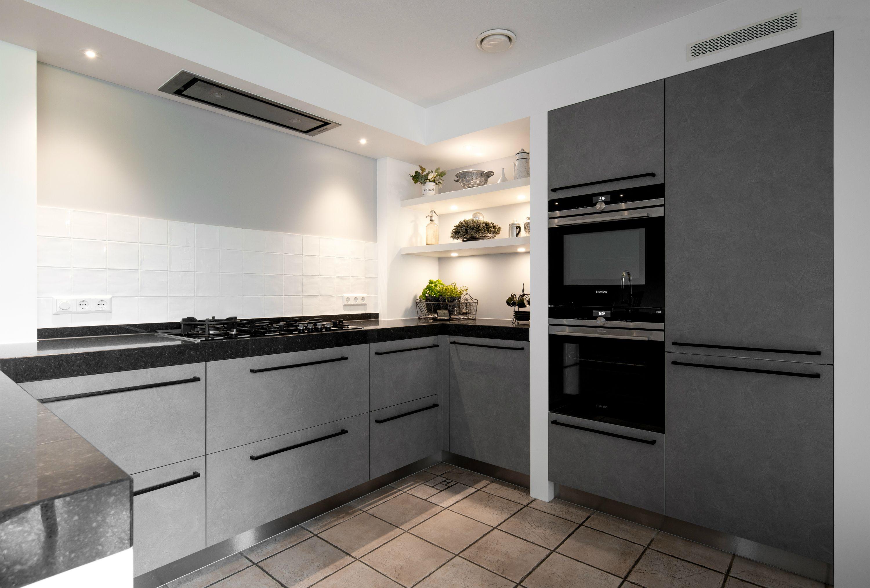 Moderne Keuken Grijs : Moderne grijze u keuken klantervaring middelkoop keukens