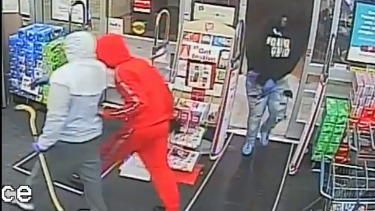 Walgreens Armed Robbery caught on cctv footage Armed