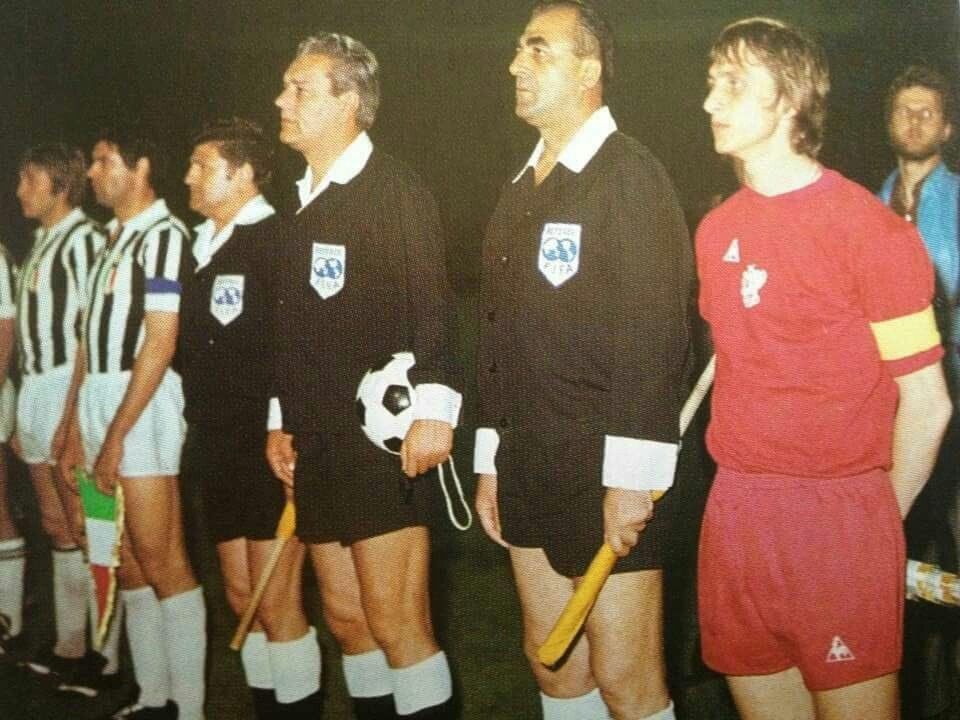 Ajax 1 Juventus 0 In May 1973 In Belgrade The Teams Line Up With Ajax All In Red For The European Cup F Champions League Final Cup Final Uefa Champions League