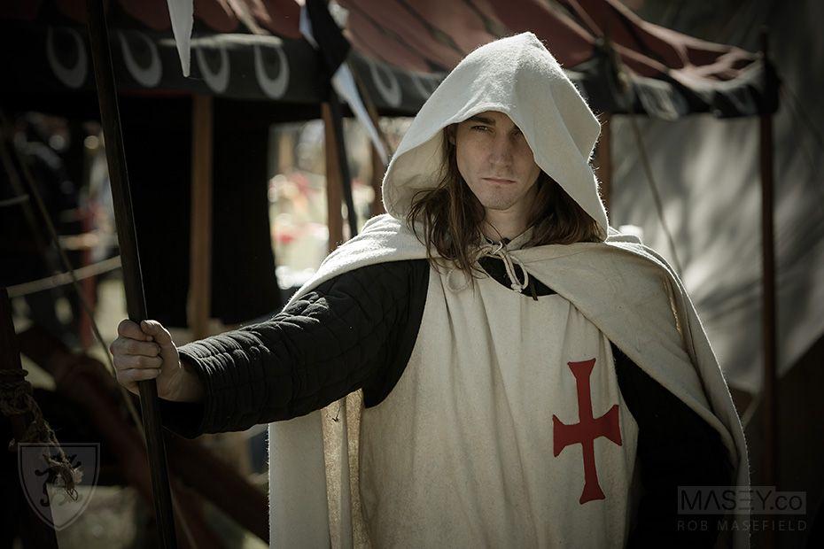 Medieval crusader mens clothing