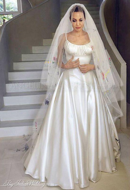 Angelina Jolie And Brad Pitt Wedding Pictures Celebrity Wedding Dresses Famous Wedding Dresses Angelina Jolie Wedding Dress
