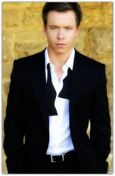 Todd Lasance - Julian The Vampire Diaries. Woot woot ... Todd Julian Actor