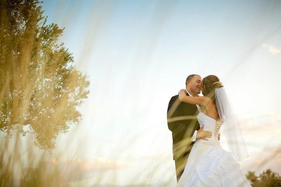 heidi good wedding pic idea..