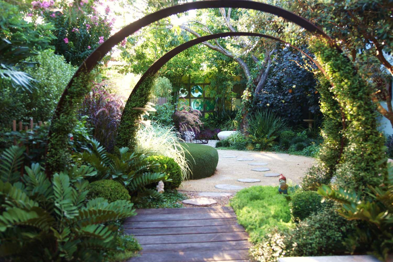Bondi Grown Up Fun Brendan Moar Modern Garden Design Modern Garden Landscape Design