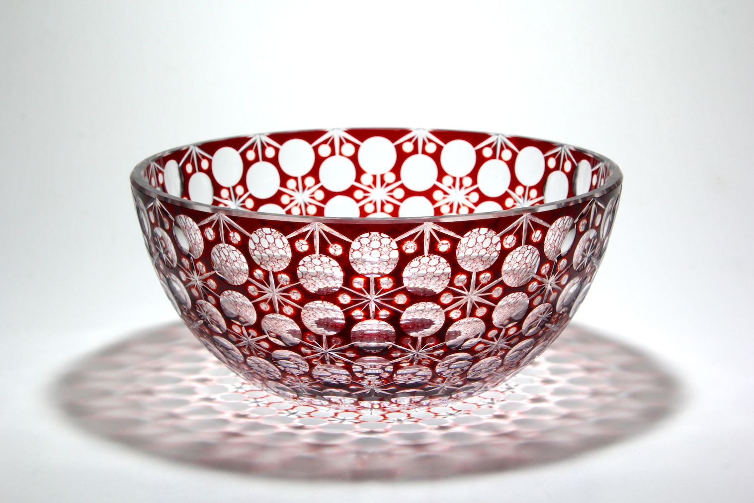 Kiriko of Japan. Cut glass bowl of flowers tie. 花繋ぎ切子。