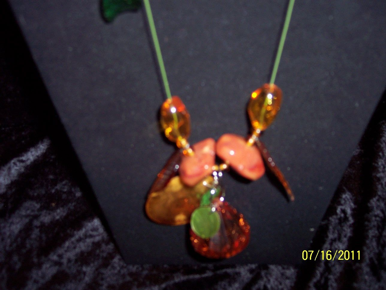 NICE FESTIVE AUTUMN NECKLACE CHUNKY LONG 26 INCHES 16.00