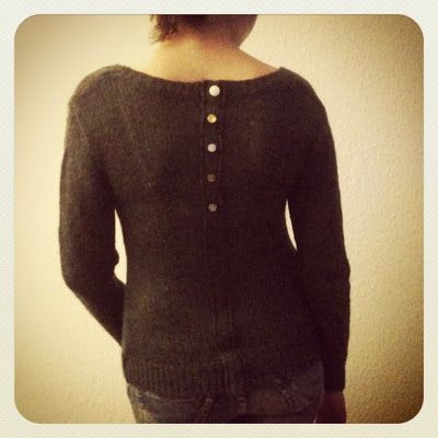 von mri: Refashion: resize pullover with a faux button facing. Pullover enger durch falsche Knopfleiste. tutorial