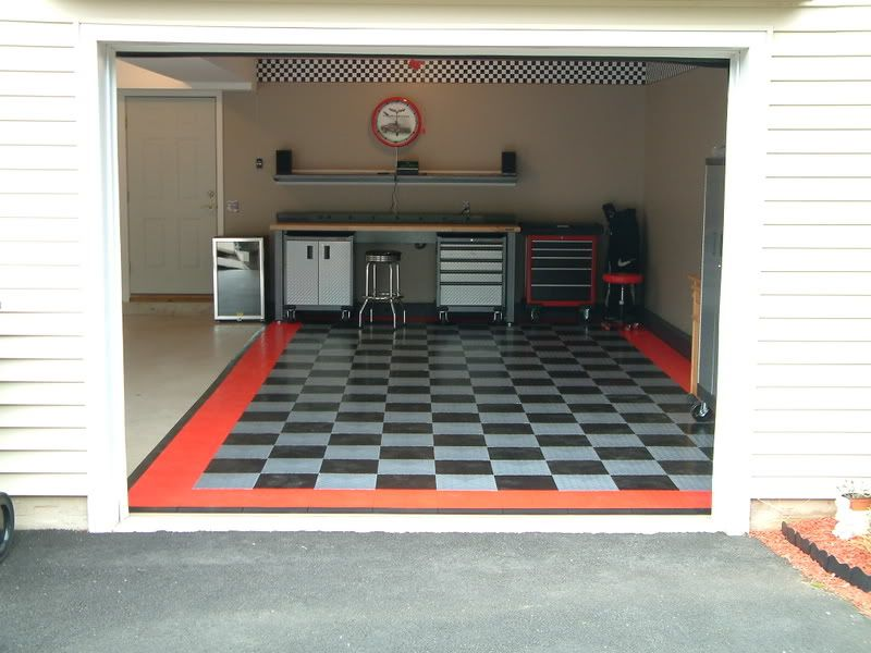 Rubber Garage Flooring As Your True Protection Classic Rubber Garage Flooring Bidycandy Com Gara Garage Flooring Options Rubber Garage Flooring Garage Floor