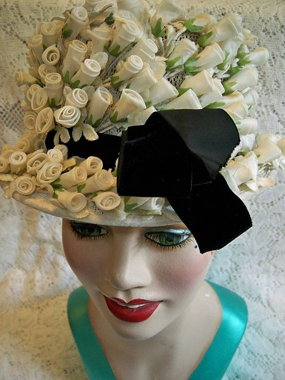 Vintage 1950s Ladies White Rose Bud Floral Hat Black Velvet Ribbon Millinery