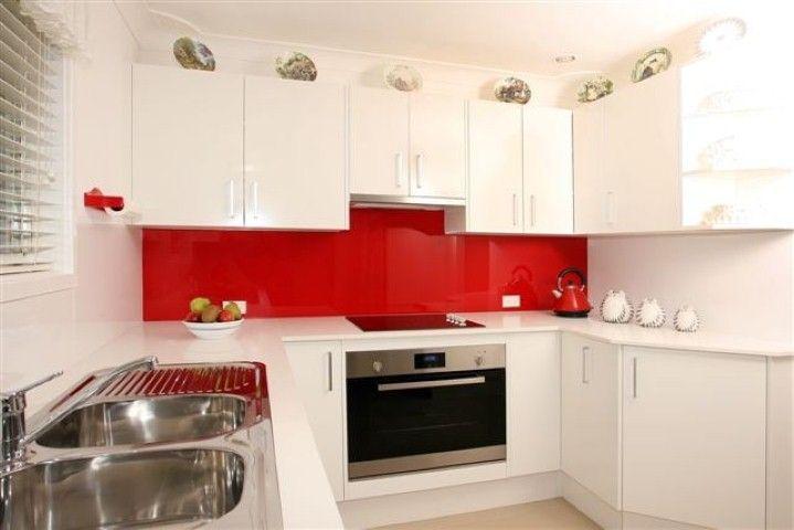 White Kitchen Red Splashback http://www.glassworldsydney.au/service/1/glass-splashbacks