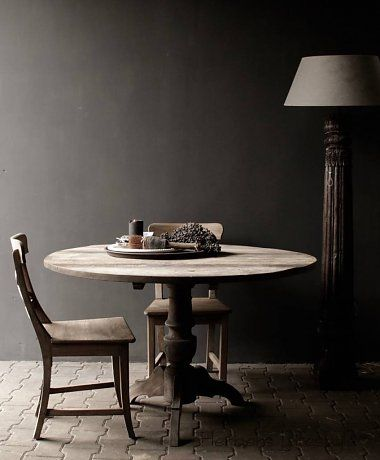 Aura peeperkorn Stoere ronde tafel gemaakt van oud gebruikt