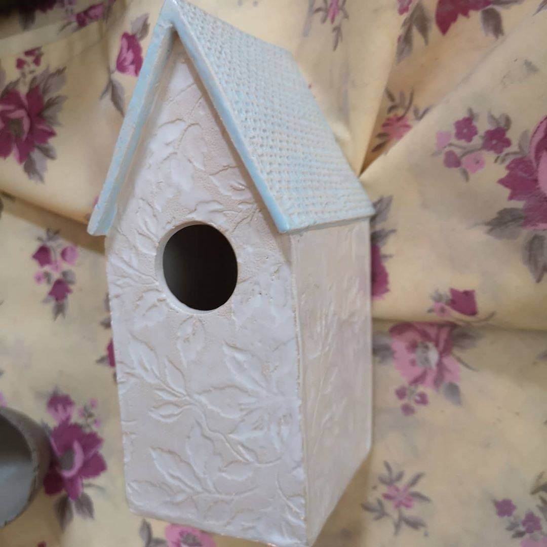 More loft finds.. I need to unpack the last box I'm sure there are more delights hidden 😁 . . . . . #handmade #ceramicart #pottery #slabbuilt #ceramics #madeincumbria #birdhouse #ilovepottery #crafts