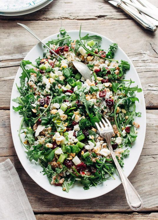Boekweit salade van Ottolenghi | Salad with buckwheat, rice, lots of herbs cranberries, hazelnuts, goatcheese and a lemon dressing.