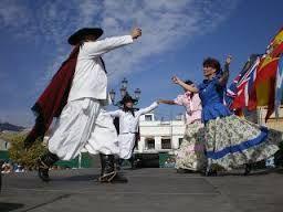Resultado de imagen para folklore argentino vestimenta