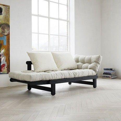 BEAT è un divano letto a due posti che può essere