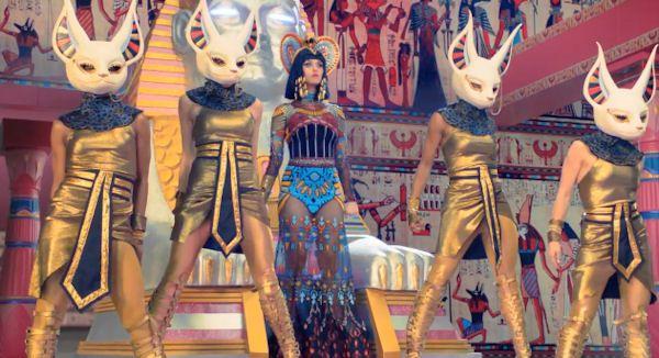 katy perry egypt costume - Recherche Google | ^Katy Perry ... Katy Perry Dark Horse Egyptian Costume