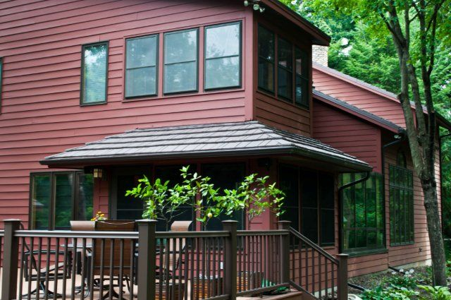 Best This Brownshake Metal Roof Nicely Accents The Deep Brown 400 x 300
