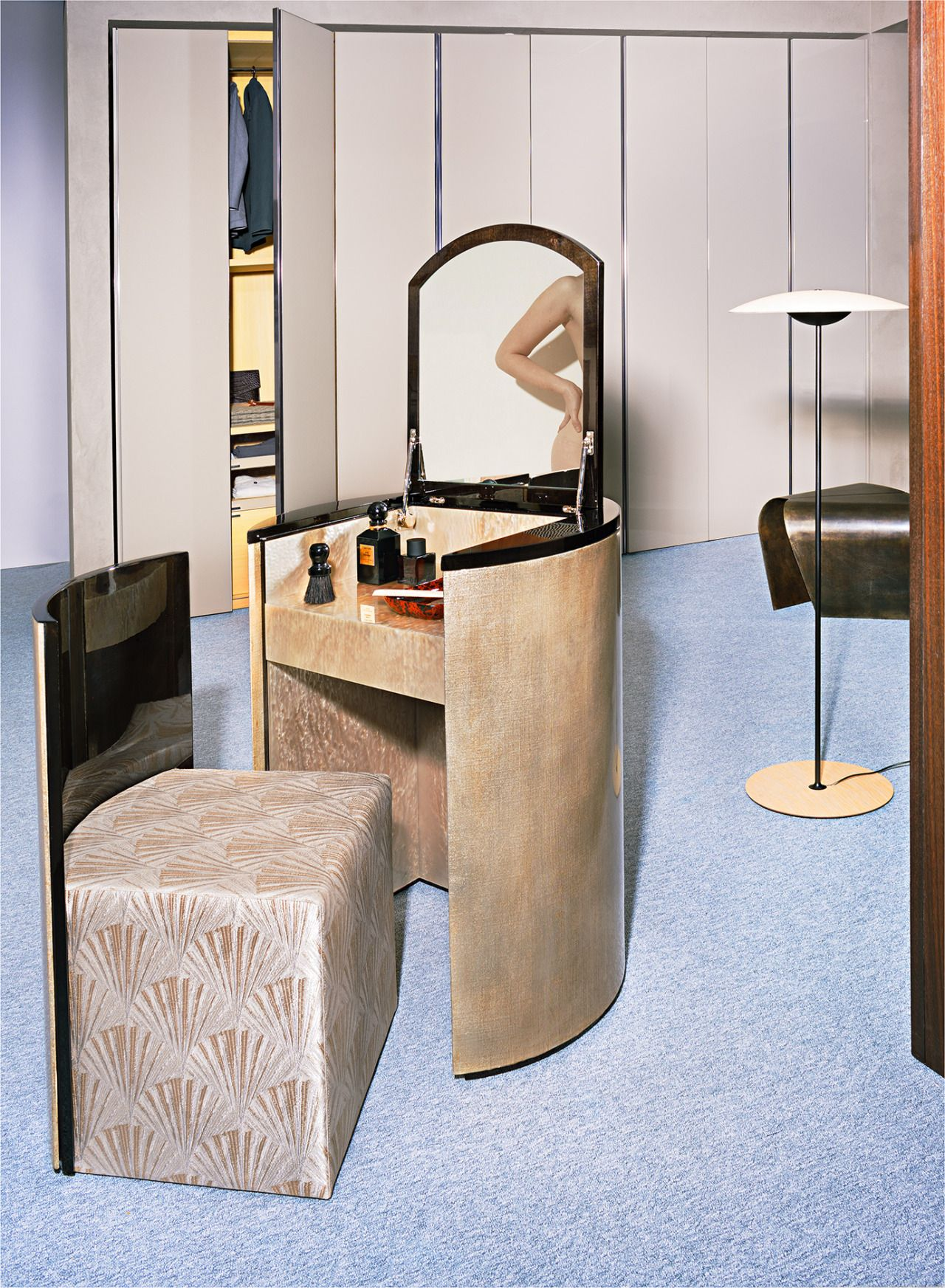 Antoinette dressing table and chair, Hugo tray both by #ArmaniCasa. More on Armanicasa.com