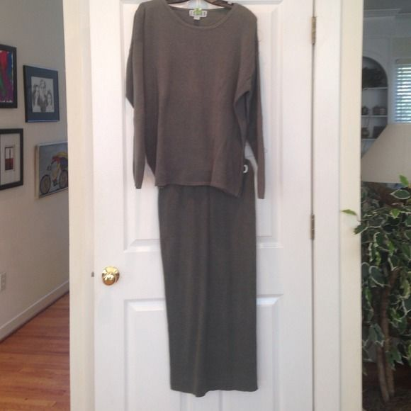 Chico's Knit Two Piece Set Super comfy Chico's knit 2pc set in Loden Green. Slouchy top has a wide scoop neck and side vents on the hem. The skirt is maxi length with an elastic waist. Not much hanger appeal but very pretty on!  55% Ramie 45% Cotton Chico's Skirts Skirt Sets