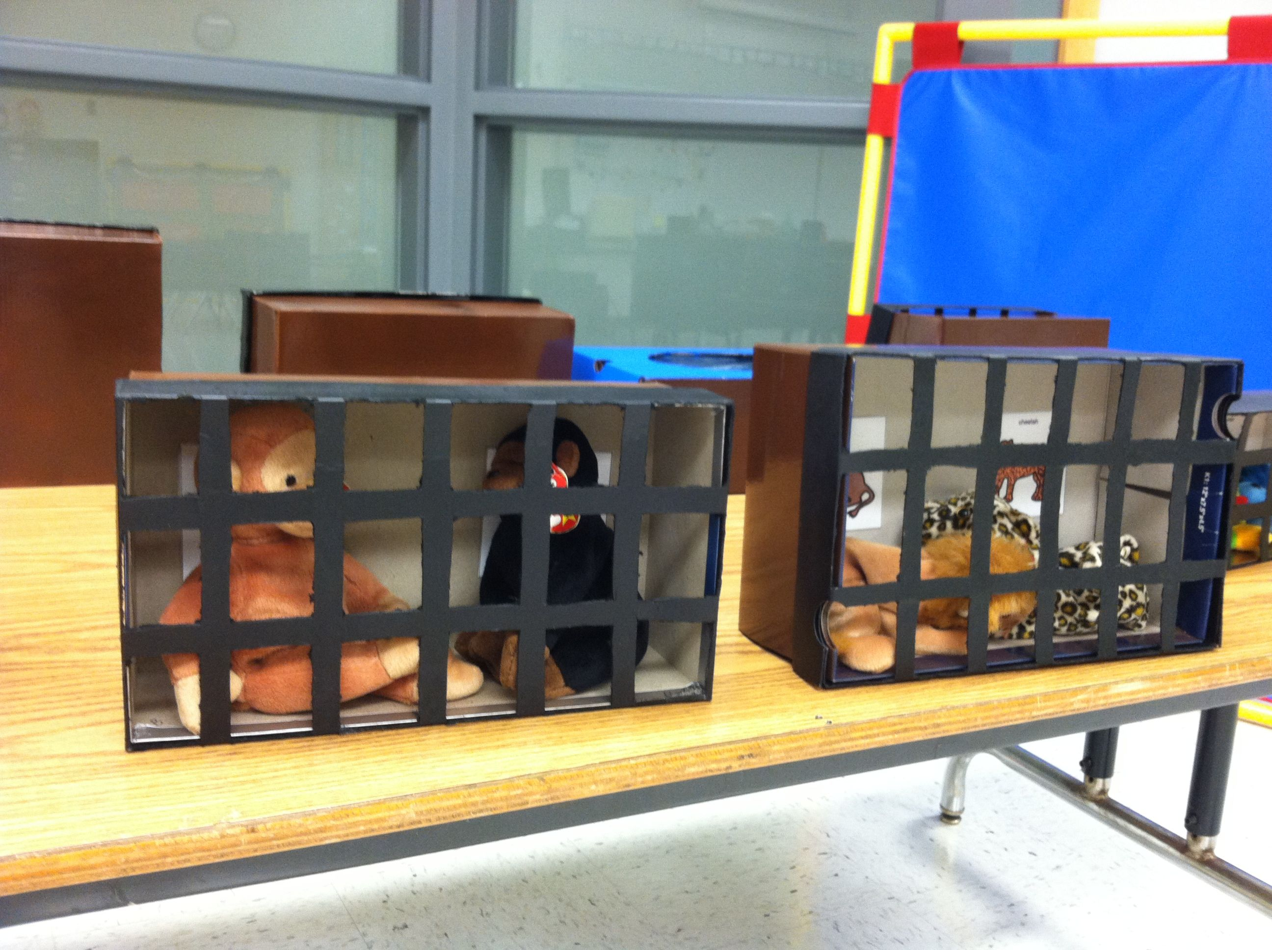 30 Shoe Box Craft Ideas: Zoo Cages For Preschoolers Made Out Of Shoe Boxes.