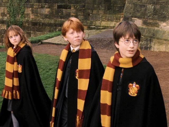 prix de gros les dernières nouveautés Nouvelle Harry Potter Gryffindor scarf- Red/Gold - Cinereplicas.fr ...