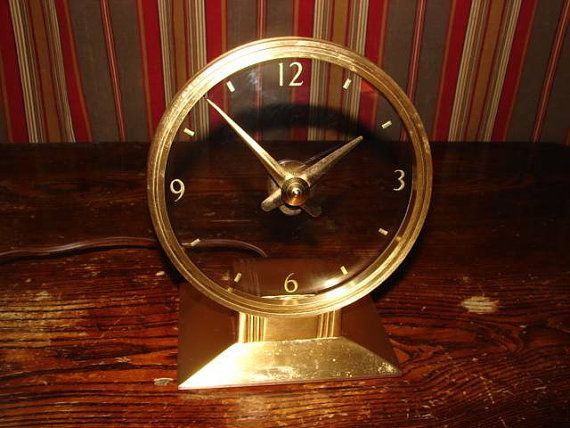 Reconditioned 1957 Golden Visionette Mystery Clock by Haddon Like Jefferson Golden Hour